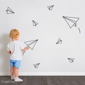 מדבקות קיר מטוסי נייר – לחדרי ילדים ותינוקות